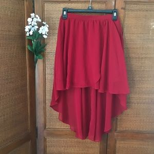 NWOT f21 red lined high-low skirt— S